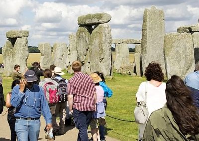 Hero-Image-E-Public-in-Stonehenge-400px-height